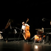 Stephen Anderson Trio: Dan Davis and Jason Foureman